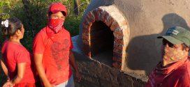 [VIDEO] IL PANE E LE ROSE  Costruzione di forni e workshop di panetteria